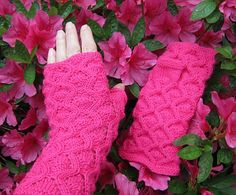 Ravelry: Queen's Guard Fingerless Gloves pattern by Elizabeth Ravenwood