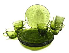 Indiana Glass snack set Sunburst pattern set of 4 plates 6 cups and 2 mugs in soreno anchor hocking Avocado Green glass by MabelsParlor on Etsy Indiana Glass, Anchor Hocking, Classic House, Vintage Glassware, Vintage Green, Home Interior Design, Olive Green, Envy, 1960s