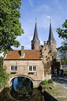 Delft, Oosterpoort, The Netherlands-Holland. Oh The Places You'll Go, Great Places, Beautiful Places, Places To Visit, Kingdom Of The Netherlands, Holland Netherlands, South Holland, Amsterdam, Delft