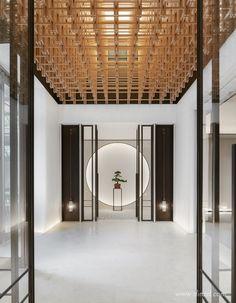 Modern Chinese Interior, Modern Japanese Architecture, Japanese Interior Design, Wood Interior Design, Restaurant Interior Design, Japanese Modern, Asian Design, Zen Interiors, Hotel Interiors