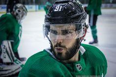 Tyler Seguin and his cute face Boston Bruins Hockey, Blackhawks Hockey, Chicago Blackhawks, Hot Hockey Players, Nhl Players, Stars Hockey, Ice Hockey, Hockey Girls, Hockey Baby