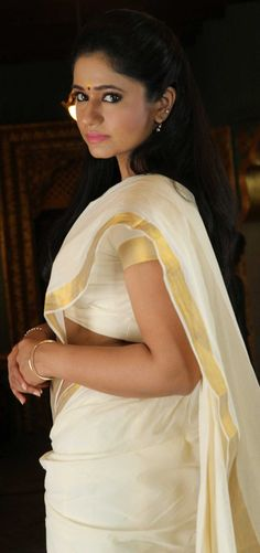 South Indian Actress Hot, Most Beautiful Indian Actress, Hot Actresses, Indian Actresses, White Saree, Brunette Beauty, Half Saree, Celebs, Celebrities