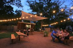 Food trailers in Austin that serve incredible gourmet food and cheaply!