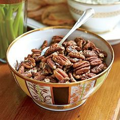 Buttery Toasted Pecans - New Year's Eve Appetizers - Southernliving. Recipe: Buttery Toasted Pecans The key to these toasted pecans is low-and slow. Patiently roast pecans (the entire 25 minutes!) at to coax out their flavor and essential oils. Best Party Appetizers, Easy Appetizer Recipes, Christmas Appetizers, Yummy Appetizers, Christmas Snacks, Christmas Brunch, Christmas Candy, Snack Recipes, Dessert Recipes