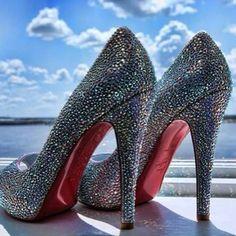 #christianlouboutin wedding #oba #occasionsbyaudi #redbottoms #sparkle