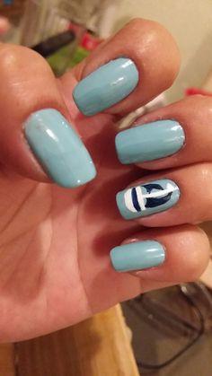 Uñas azules con barquito