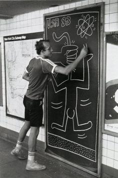 Keith Haring Paints on the subway