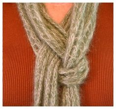 How to Ivy Knot a Scarf?