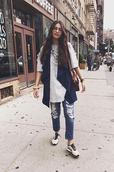 New dress summer casual weekend style ideas Casual Indian Fashion, Indian Fashion Trends, Indian Designer Outfits, Indian Outfits, Boho Fashion, Chic Outfits, Trendy Outfits, Fashion Outfits, Kurti With Jeans