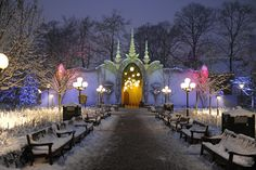 De Efteling, winter Photo by Marco Derksen, published in Faerie Magazine. Fairytale House, Elves Fantasy, Christmas Events, Villa, Cool Themes, Environment Design, Fairy Houses, Fantasy World, Winter Time