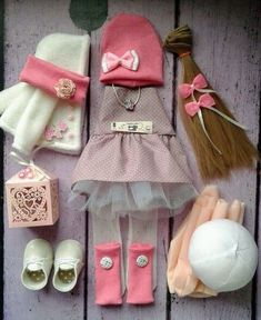 VK is the largest European social network with more than 100 million active users. Doll Crafts, Diy Doll, Pretty Dolls, Beautiful Dolls, Doll Clothes Patterns, Doll Patterns, Child Doll, Baby Dolls, Muñeca Diy
