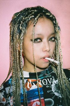 oystermag: 'Tokyo Kids' Shot By Gavriel Maynard 東京キッズは大丈夫、ルール? Wool Dreads, Dreadlocks, Straight Hairstyles, Braided Hairstyles, 2a Hair, Girl Smoking, Feathered Hairstyles, Cornrows, Vintage Hairstyles