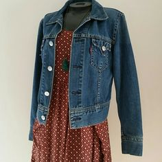 Levi's iconic jean jacket Perfect jean jacket for summer nights and summer dresses. In excellent condition, barely ever been worn.  ☆Only pay one shipping cost and save 15% off if you bundle with 1 or more other items!!! Levi's Jackets & Coats Jean Jackets