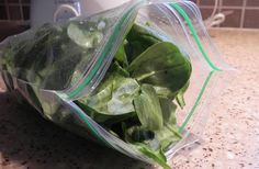 How to freeze fresh spinach... no cooking required! Don't let that leftover spinach go bad anymore!