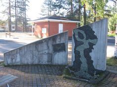 Juice Leskinen's statue