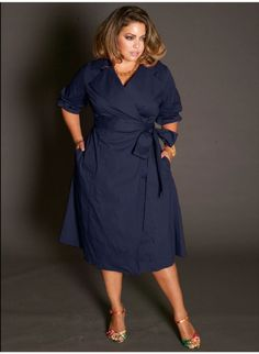 Love this look, I am not curvy though, and do not wear dresses often . 5 beautiful navy blue dresses for curvy women - plus size fashion for women Xl Mode, Mode Plus, Plus Size Fashion For Women, Plus Size Women, Plus Fashion, Womens Fashion, Big Size Fashion, Fashion Ideas, Ladies Fashion