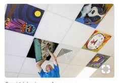 Des productions d'élèves au plafond - L'école des Juliettes