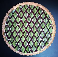 Pastel Art, Tarte Aux Kiwis, Mousse Au Chocolat Torte, Pie Crust Designs, Pies Art, Decoration Patisserie, Fruit Tart, No Bake Pies, Food Design