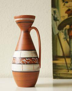 Vintage (1970) vase / jug by Carstens, West Germany. Terracotta glaze: Terrateak von VintageRetroVases auf Etsy https://www.etsy.com/de/listing/526301972/vintage-1970-vase-jug-by-carstens-west