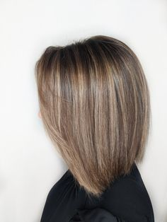 83 Hottest Bob Haircuts for Every Hair Type - Hairstyles Trends Brown Hair With Highlights, Brown Blonde Hair, Brown Hair Colors, Brown Highlighted Hair, Blonde Highlights Bob, Medium Hair Cuts, Short Hair Cuts, Medium Hair Styles, Short Hair Styles