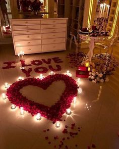 Beautiful Romantic Home For This Valentine's. If you are looking for Romantic Home For This Valentine's, You come to the right place. Here are the Romantic … Romantic Surprise, Romantic Night, Romantic Gifts, Surprise Date, Surprise Ideas, Valentines Bricolage, Valentines Diy, Valentine Day Gifts, Romantic Valentines Day Ideas