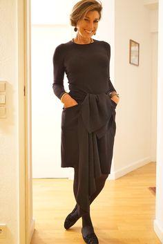 O look para a noite de aniversário do meu pai!  Suéter BP Studio, saia Animale Concept, slippers Pretty Ballerina e bijoux Caleidoscópio! Dress Skirt, Peplum Dress, Royal Blue Outfits, Diva Fashion, Womens Fashion, All Black Outfit, Black Outfits, All About Fashion, Timeless Fashion