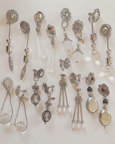 いいね!18件、コメント1件 ― ∞YCP∞さん(@ycp_88)のInstagramアカウント: 「⌘Online up⌘ 予定商品です☺︎ 只今準備中です。 又お知らせさせて頂きます。 【Silver】 2way商品は商品名に記載しておりますので、宜しくお願い致します☺︎ . . . . .…」 Resin Jewelry, Diy Jewelry, Jewelery, Jewelry Accessories, Handmade Jewelry, Jewelry Making, Shoulder Necklace, Beaded Jewelry Designs, Diy Earrings
