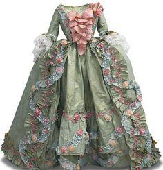 The Exquisite Paper Art Gowns of Isabelle de Borchgrave