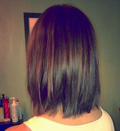 #Brunette Graduated Bob with chocolate brown PM The Color / #Kerry Heming Brown©