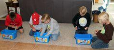 """parmi les jeux et animations à proposer : donner un bac de briques à chaque enfant (ou à des """"duos"""", surtout s'il y a des enfants de différents âges), avec un ou plusieurs modèles à reproduire, le gagnant étant le premier à réussir !"""