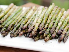 Similar to my recipe with with an addition or two. Balsamic Grilled Asparagus recipe from Life's a Party with David Burtka via Food Network Grilled Asparagus Recipes, Grilled Vegetables, Vegetable Sides, Vegetable Side Dishes, Vegetable Recipes, Slider Buns, Chips Ahoy, Grilling Recipes, Model