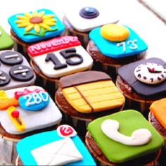 You got your technology in my cupcakes! No, you got YOUR cupcakes in my technology! Either way, I like where this is going. I& eat the notes app first. Yummy Treats, Sweet Treats, Yummy Food, Fun Cupcakes, Cupcake Cookies, Apple Cupcakes, Chocolate Cupcakes, Decorated Cupcakes, Apple Cake