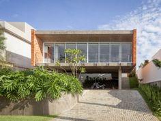 House in TatuI  Felipe Hsu _ Lucas Bittar_02