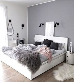 Teen Bedroom Color Ideas - Accent Wall