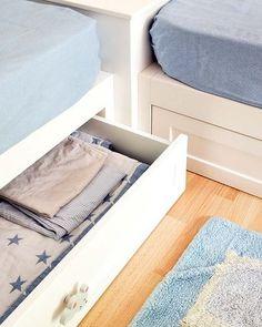 Cajón debajo de la cama