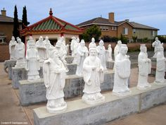 Cultural Court Statues in Little Saigon Westminster. There are 72 statues hidden away behind a shopping mall along Bolsa Avenue in Westminster, California. California Beach Camping, Southern California Beaches, Orange County California, California Love, California Travel, Weekend Trips, Day Trips, Movie Fast And Furious