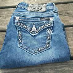 """Miss Me Bling Flare Jeans! Miss Me Bling Flare Jeans that are a size 27. Inseam 31"""". Small X on the inside waist. EUC. Miss Me Jeans Flare & Wide Leg"""