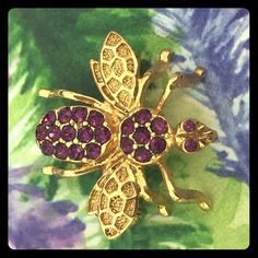 Flying Insect Gold Tone Purple Pendant / Brooch Flying Insect Gold Tone Purple Stone Pin / Brooch/ Pendant. The brooch is the size of a nickel, very detailed, and  delicate looking. It is in excellent used condition or like new. It can also be worn as a pendant on a chain. Thank you for visiting my closet and please ask any questions  Vintage Jewelry Brooches
