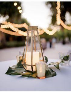 Beach Wedding Tables, Simple Beach Wedding, Palm Beach Wedding, Simple Weddings, Wedding Decor, Wedding Reception, Wedding Ideas, Gold Terrarium, Terrarium Centerpiece
