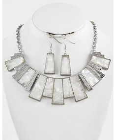 443804 Necklace & Fish Hook Earring Set