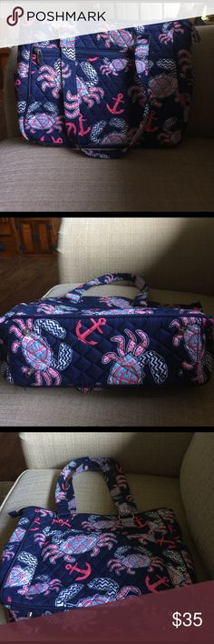 🌺N GIL NAUTICAL TOTE NWOT! This bag has never been used! Clean on the outside and inside. Perfect for work or casual nights at the movies. Medium size. N Gil Bags Totes