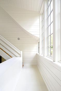 15 Ways with Shiplap: White Sweeping Shiplap Staircase
