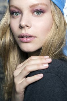 The Best Beauty Looks From New York: Spring 2015 We always love a tonal lip and eye.  in PINK! Bold Choice