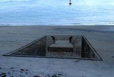 Jamie Harkins (de Nueva Zelanda), Constanza Nightingale (Chile) y David Rendu (Francia) son los artistas que han dado lugar a estas obras. Dos pintores y un escultor, Arte efímero y Anamorfosis en las playas de Mt. Maunganui, Nueva Zelanda.