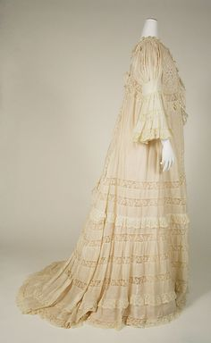 1896 ___ Negligée ___ French ___ at The Metropolitan Museum of Art ___ photo 2