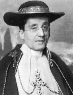 Pope Benedict XV in 1921. Pope Benedict XV, born Giacomo Paolo Giovanni Battista della Chiesa, was Pope from 3 September 1914 to his death in 1922. His pontificate was largely overshadowed by World War I and its political, social and humanitarian consequences in Europe.