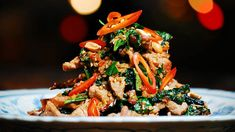 Be inspired by Luke Nguyen's Vietnam. This beef recipe is packed with flavour. Beef Tossed with Wild Betel Leaf and Lemongrass - Bo Xao La Lot Spicy Recipes, Asian Recipes, Beef Recipes, Healthy Recipes, Ethnic Recipes, Healthy Foods, Healthy Nutrition, Yummy Recipes, Dinner Recipes