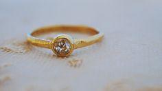 mina.jewelryがこれまでにお作りしたマリッジリングやエンゲージリング。その一部をご紹介致します。