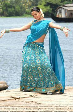 Bhavana Photos [HD]: Latest Images, Pictures, Stills of Bhavana - FilmiBeat Bhavana Menon, Bhavana Actress, Recent Movies, Latest Images, Half Saree, Beauty Queens, Photo Galleries, Beautiful Women, Sari