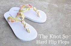 DIY Summer Flip Fops Tutorial at http://www.themotherhuddle.com/tutorial-the-knot-so-hard-flip-flop-diy/  #flip #flops #knot #knotted #diy #tutorial